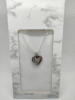 Řetízek s přívěškem srdce s kamínky v dárkovém obalu