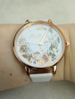 Dámské hodinky bílé, s květinami