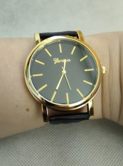 Dámské hodinky černé