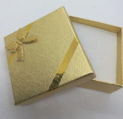 Dárková krabička na šperky zlatá