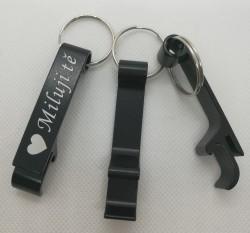 Otvírák na klíče s věnováním Miluji tě