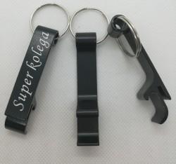 Otvírák na klíče s věnováním Super kolega
